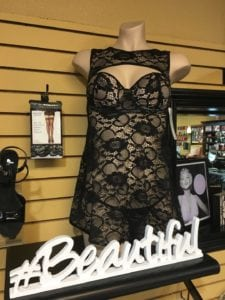 Hot-Lingerie-that-Will-Take-You-from-Summer-to-Fall-black-lace